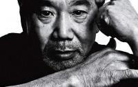 Японского писателя наградят за неудачные сцены интима