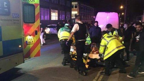 Группа исламофобов наехал на прихожан мечети в Лондоне: есть пострадавшие
