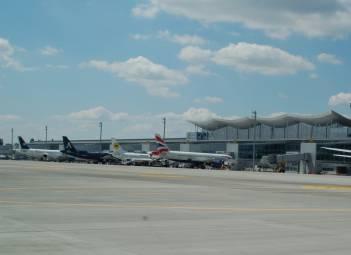 Аеропорт Бориспіль обладнає тимчасові автостанції для автобусів із уболівальниками, розширить парковки на час проведення ЛЧ УЄФА в Києві
