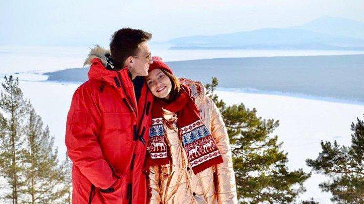 Регину Тодоренко и Влада Топалова застали за поцелуями (видео)