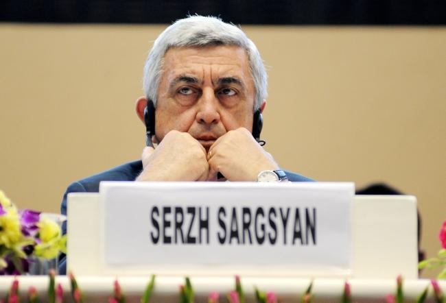 Премьер Армении подал в отставку через 6 дней после вступления в должность