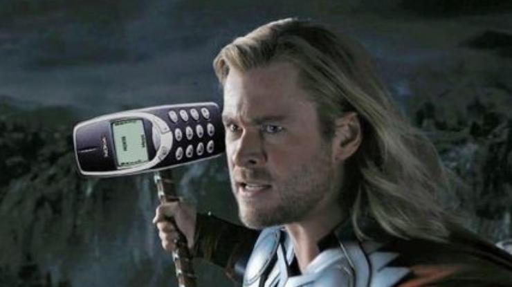 Легендарный Nokia 3310 прошел смертельный краш-тест (видео)
