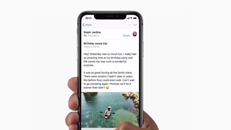Apple выпустила рекордно малое количество iPhone X - СМИ