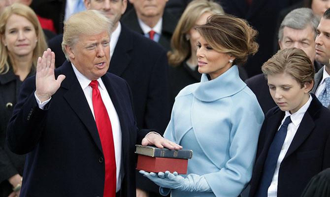 Трамп забраковал мебель в Белом доме, выбранную его супругой