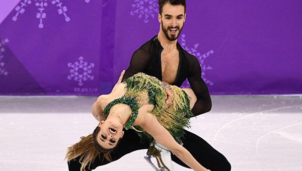 Зрители Олимпиады смогли увидеть грудь французской фигуристки во время танца