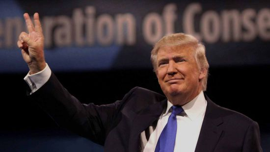 Der Spiegel изобразил Трампа в колпаке Ку-клукс-клана (фото)