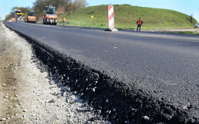 Китайская компания решила построить в Украине дорогу за €42 млн