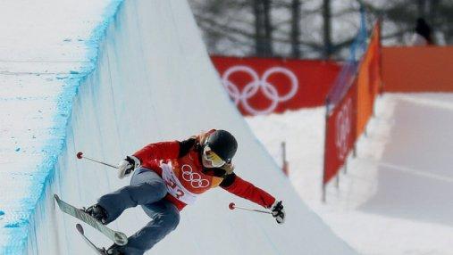 Худший олимпиец: лыжница по дисциплине зрелищных трюков прокатилась без трюков