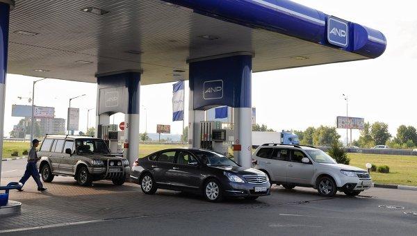 Цена газа на заправках в Киеве продолжает стремительно расти