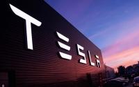Компания Tesla закрывает часть бизнеса, - СМИ