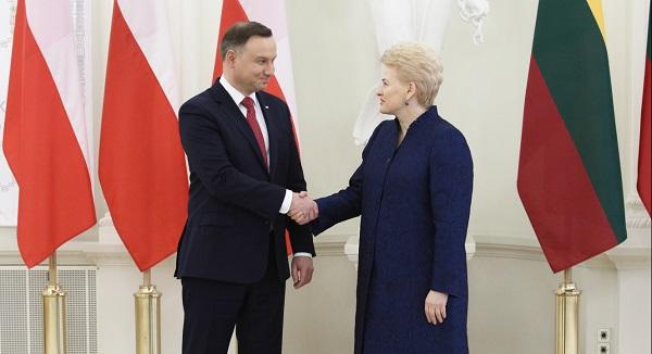 Литва не поддержит штрафные меры ЕС против Польши