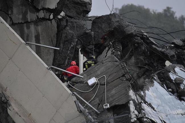 Число жертв обрушения моста в Генуе возросло до 38 человек