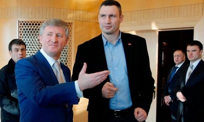 Кличко: Киевляне остаются без горячей воды из-за долгов компании Ахметова