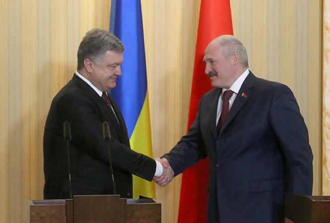 Порошенко подтвердил готовность Украины поставлять электроэнергию в Белоруссию