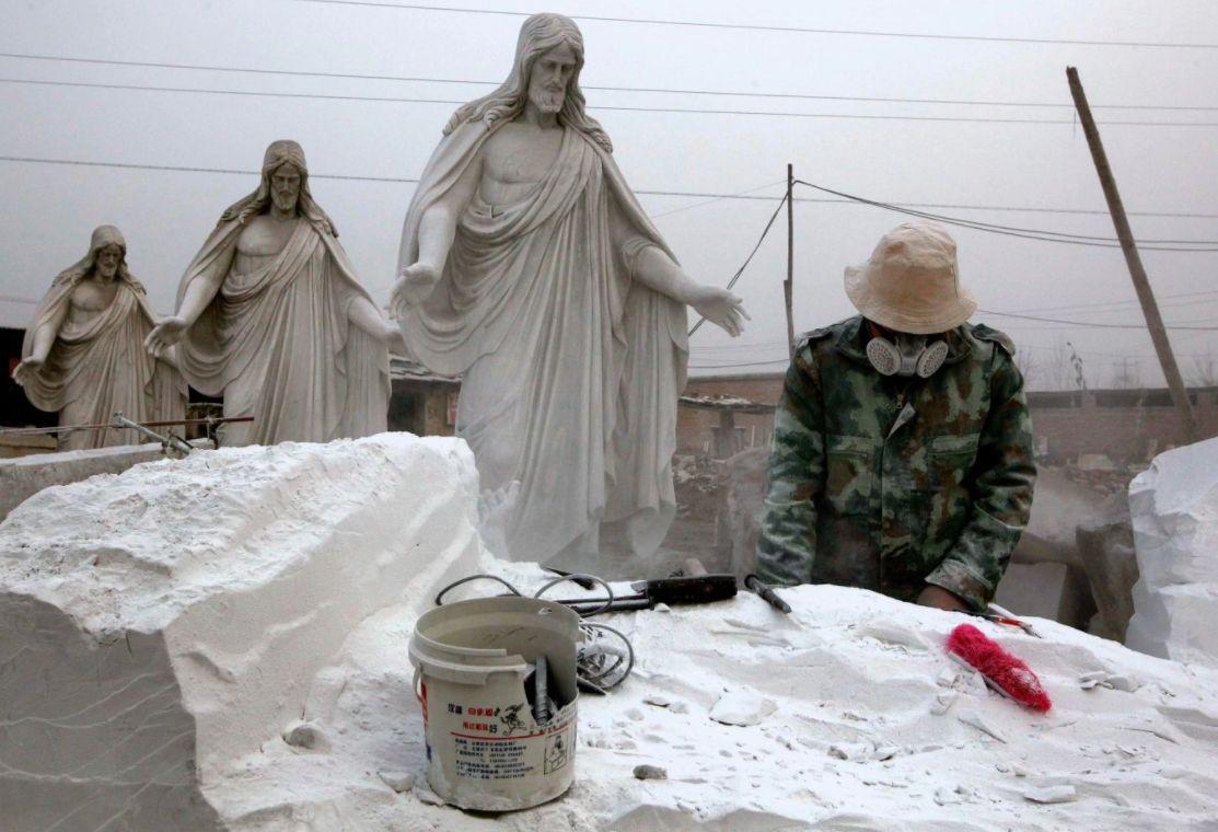 Власти китайской деревни заявили христианам, что их спасет не Иисус, а Си Цзиньпин