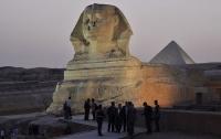 В Египте в ходе работ в храме обнаружили сфинкса