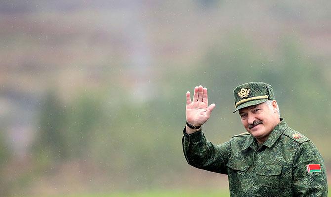 Лукашенко прокомментировал заявления о диктатуре в Беларуси