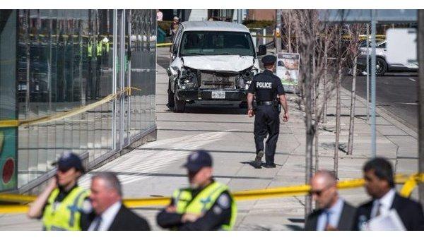 Возросло число жертв наезда микроавтобуса на пешеходов в Торонто