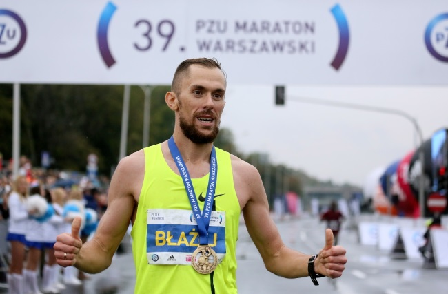 Pole beats Kenyans to win Warsaw marathon