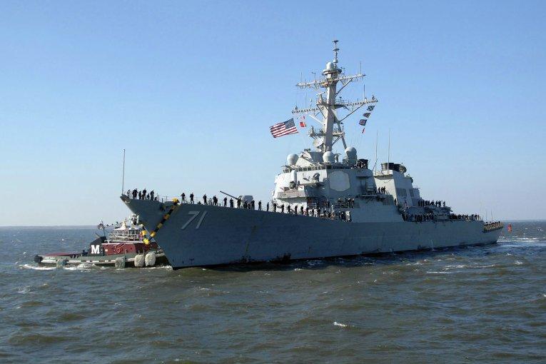 ВМС США объяснили пребывание эсминца Ross в Черном море