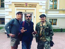 Троицкий (в центре) подтвердил свое намерение участвовать в выборах