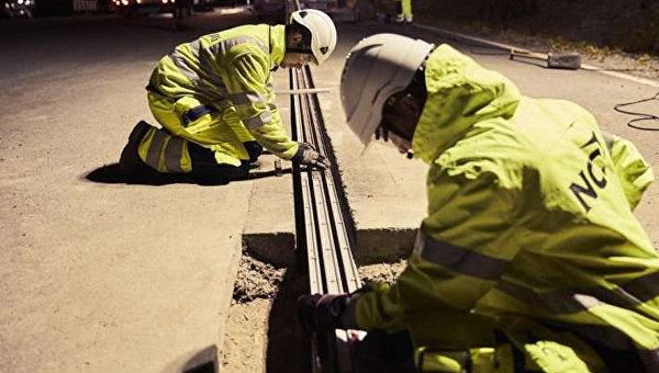В Швеции открыли дорогу, заряжающую электрокары на ходу