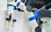 Инженеры научили роботов ощущать форму объектов