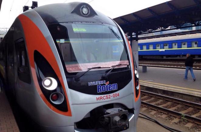 До Перемишля з Києва почав курсувати другий потяг