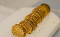 Археологи обнаружили во Франции более двух тысяч монет ХІІ века
