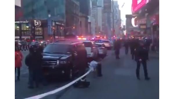 Полиция Нью-Йорка нашла взрывные устройства на месте ЧП - СМИ
