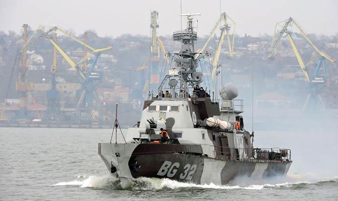 Украина намерена и дальше отправлять военные корабли в Керченский пролив