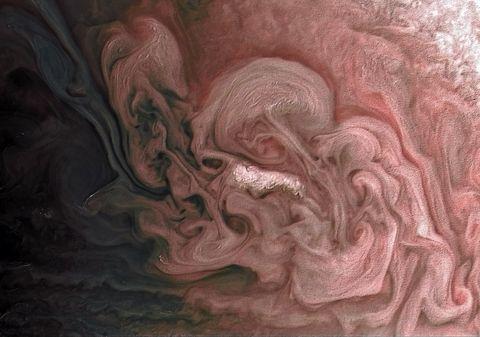 NASA: На Юпитере произошла «розовая» буря (ФОТО)