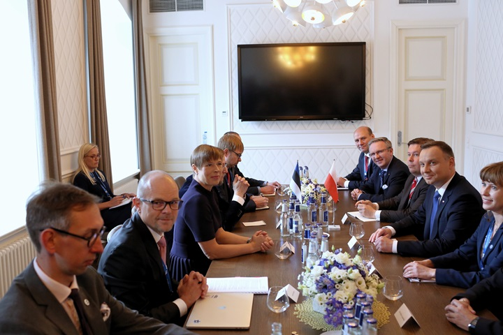 Polish, Estonian presidents discuss NATO, migration, euro zone