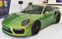 Покупателям Porsche 911 предложили оригинальный цвет за сто тысяч долларов