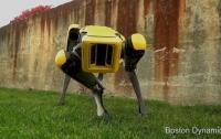 Компания Boston Dymanics представила новую версию четвероногого робота SpotMini (ВИДЕО)