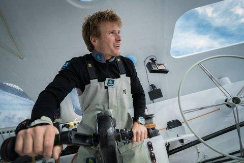 Французский яхтсмен оплыл вокруг планеты за рекордные 42 дня