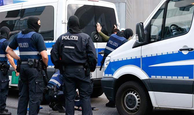 В 2017 году в Германии открыли около 900 дел, связанных с терроризмом