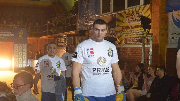 Украинец завоевал третье золото на чемпионате Европы по боксу