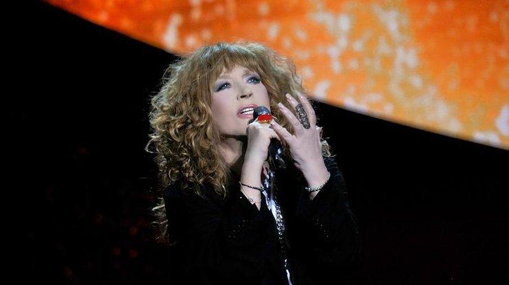 69-летняя Пугачева удивила молодежным нарядом на концерте (фото)