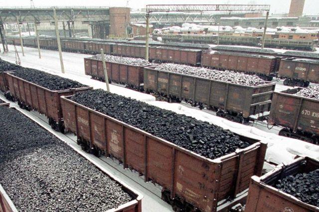 «Укрзализныця» увеличила транзит угля и лесных грузов более чем в два раза