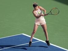 Свитолина вышла в следующий раунд турнира после травмы соперницы