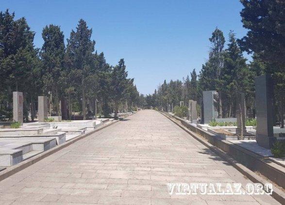 В Баку похитили надгробья на правительственном кладбище наш спецреп+фото+видео