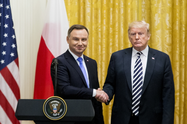 UPDATE: US, Poland agree to bolster defence, energy ties