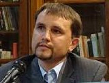 В'ятрович вважає, що не завжди можна ідентифікувати всіх похованих на українських і польських кладовищах