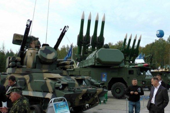 Азербайджан пожаловался в НАТО на поставки Россией оружия Армении
