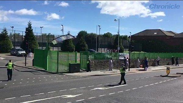 При наезде машины на толпу в Британии пострадали дети