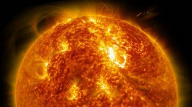 NASA обнаружило возле Солнца таинственный объект (ФОТО)