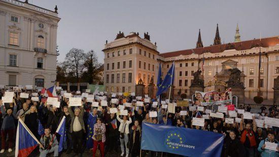 В Чехии протестуют против президента Земана из-за его позиции по Крыму