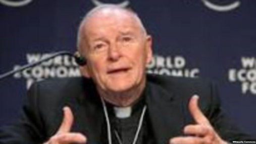 Кардинал Римско-католической церкви в США подал в отставку из-за сексуального скандала