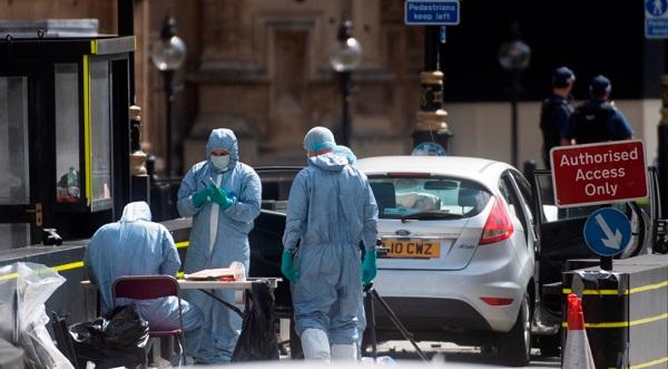 Премьер Великобритании: террористы не добьются успеха